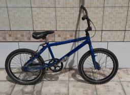 Bicicleta / Bike BMX FreeStyle Pro-GT