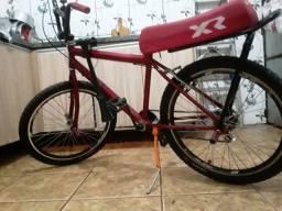 Bike toda original de marcha com buzina corneta