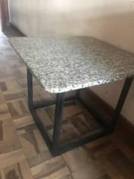 Mesa canto granito
