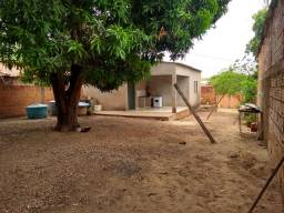 Casa com terreno grande 12x25