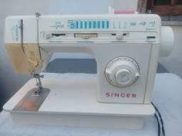 Máquina de costura Singer Facilita Plus