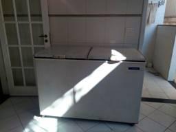 Freezer horizontal 2 portas da Metalfrio em ótimo estado.