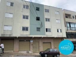 Apartamento com 3 dormitórios para alugar, 90 m² por R$ 1.000,00/mês - Centro - Poços de C