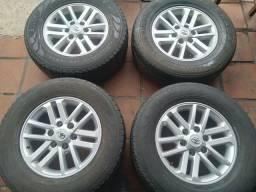 Roda da hilux  17 com pneus