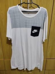 Título do anúncio: Camiseta Nike original tam.P/M