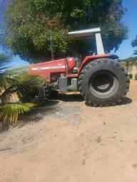 Trator e grade aradora Massey Ferguson