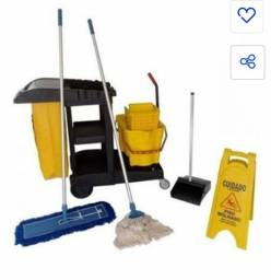 Vendo carrinho de limpeza completo