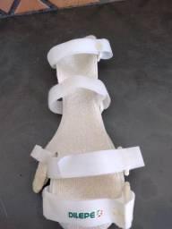 Tala de PVC para punho, mãos e dedos.