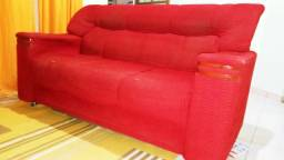 Sofa conservado 3 lugares.