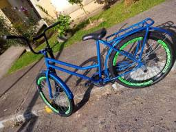 Linda bicicleta azul