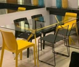Título do anúncio:  mesa de jantar com tampo em vidro e 6 cadeiras