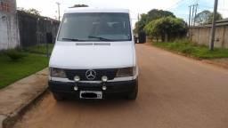 Van - Sprinter MB 310 - R $ 27,900.00