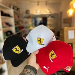 Boné Ferrari (linha Premium) entrega gratuita para toda João pessoa