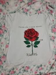 Blusa malha branca com Rosa