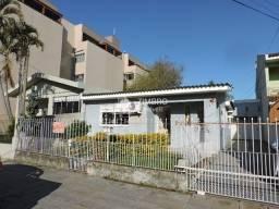 Título do anúncio: Casa 3 dormitórios pátio amplo com piscina garagem - Bairro Medianeira