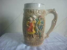 Canecas antigas de porcelana