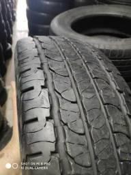 Um kit de 4 pneus 235 65 17 Goodyear