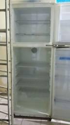 Vendo refrigerador duplex 500,00 aceito todos os cartões