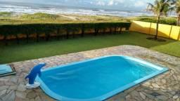 Casa  frete ao mar na praia do Abais