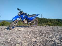 Xtz 125 sucata,a moto tá toda boa só tá suja