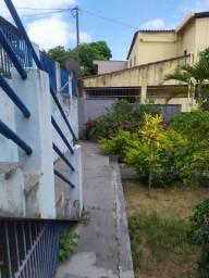 Casa de lage e com jardim em ótimo localização