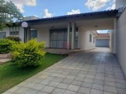 Casa à venda por R$ 1.300.000,00 - Zona 05 - Maringá/PR