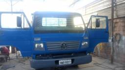 Caminhão vw 8 120