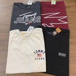 Promoção de camisas básicas