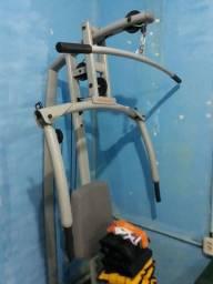 Máquina da musculação semi nova