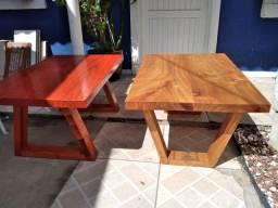 Mesas de centro com madeiras de lei ,uma resinada e outra com cera .