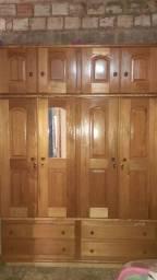 Vendo guardar roupa de madeira grande e novo