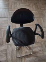 Cadeira de cabeleireiro com encosto