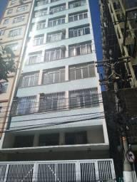 Apart. 01 quarto no centro de Niterói na Andrade Neves