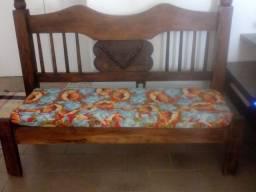 Sofa madeira para uso e decoração