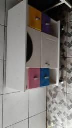 Vendo armário de banheiro com porta e prateleira 78de.comp de 55de alt 30 de largura