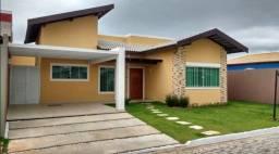 L COD.570 casa em Condomínio de Alto Padrão do lado do mercado Costa Azul