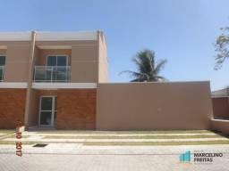 Casa com 2 dormitórios à venda, 68 m² por R$ 300.000,00 - Tamatanduba - Eusébio/CE
