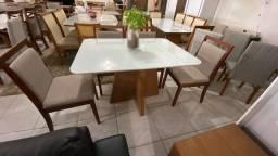 Título do anúncio: Mesa de 4 cadeiras de madeira maciça