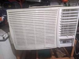 Ar condicionado de janela springer silentia 30.000 Btu/h frio eletrônico - 220v