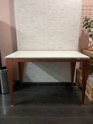 Escrivaninha rose com branco (bastante usada)