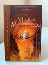 Livro O mar de monstros - Rick Riordan