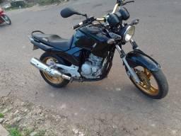 Vendo essa fazer 250 moto só filé  funciona tudo moto boa de motorr *