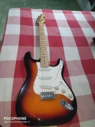 Guitarra Vogga Strato Sunburst + Capa