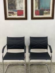 Cadeiras de couro topclean para escritório.