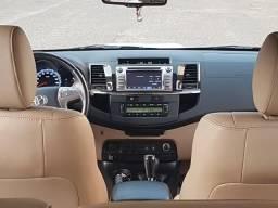 Toyota Hilux Sw4 Diesel 7 lugares - 2014