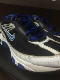Tenis Nike original semi-Novo