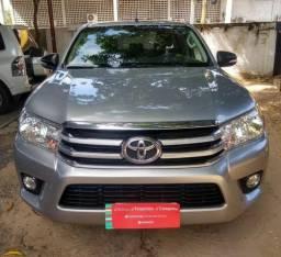 Toyota Hilux SR 4X4 - 2017