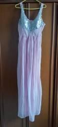 Vestido rosa com lantejoulas prata