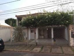 Casa nas proximidades da Av. Fernando Correa - Trescinco