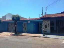 Casa com 4 quartos - Bairro Setor São José em Goiânia